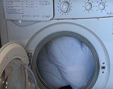 Как-стирать-синтетические-подушки-в-стиральной-машине